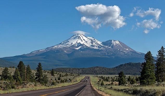 Pixabay - Mount Shasta