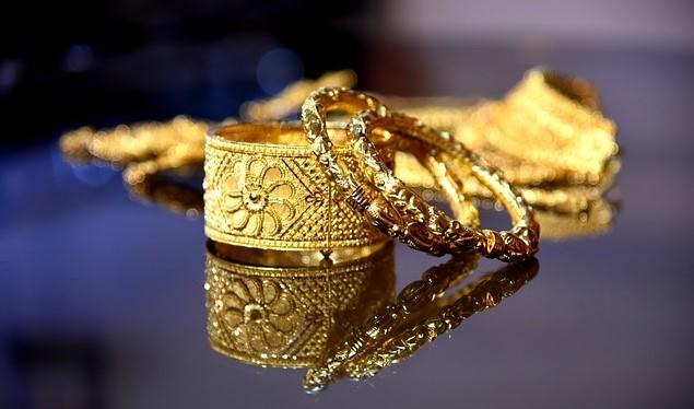 Pixabay - women jewelry fashion
