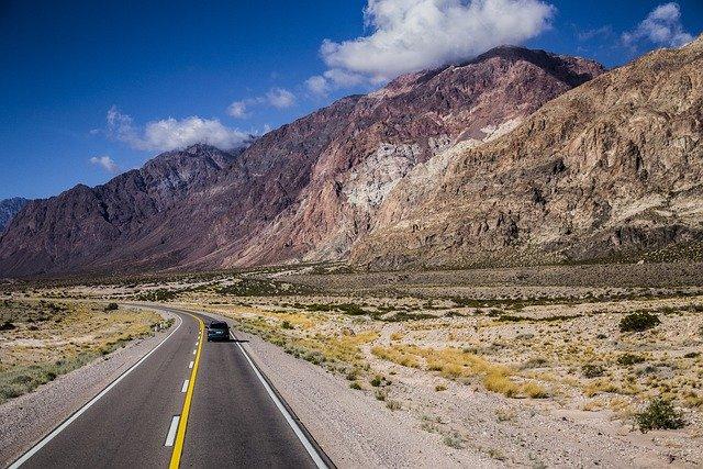 Pixabay - road trip