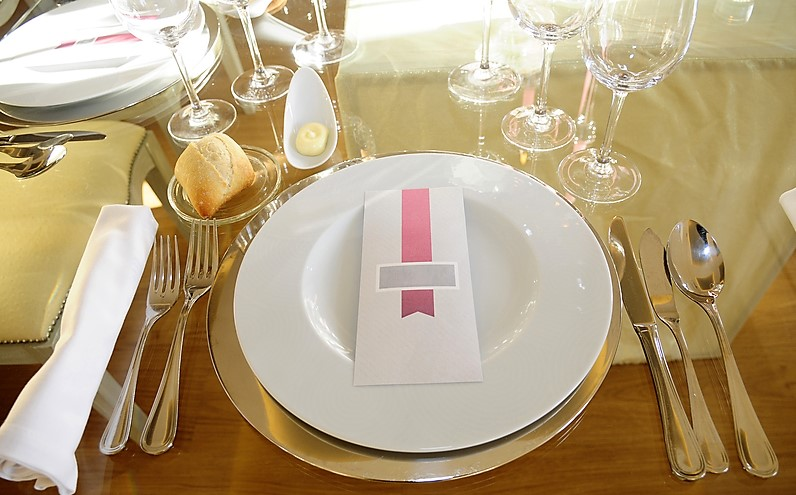 Dreamstime - elegant table